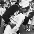 Il bacio del marinaio a Times Square è un falso: ecco il perché 01