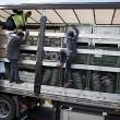 calais-lorry-polic_3352892b