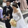 Svezia, il principe Carl Philip sposa la star reality Sofia05