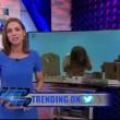 VIDEO YouTube. Giornalista urla in diretta: è stata assalita da stormo di cicale 01