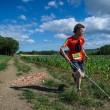 Clément Gass, quasi cieco, corre per 36 km da solo. A guidarlo una app FOTO 4
