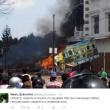 Indonesia, aereo militare si schianta su centro abitato: vittime FOTO 2