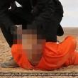 """Isis, nuovo video: """"spie"""" crocifisse, arti amputati FOTO"""