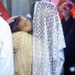 Kim Kardashian e Kanye West battezzano North in chiesa armena a Gerusalemme FOTO 3
