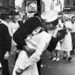 Il bacio del marinaio a Times Square è un falso: ecco il perché 02