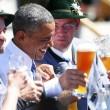 G7: Merkel fa gli onori di casa, Obama beve birra02