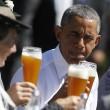 G7: Merkel fa gli onori di casa, Obama beve birra09