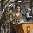 Matteo Renzi, mimetica e jeans durante visita a Herat in Afghanistan11
