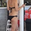 Samantha Cameron in bikini ad Ibiza: corpo tonico a 44 anni04