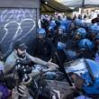 fRoma, corteo anti-rom CasaPound contro corteo anti-fascisti: scontri 04
