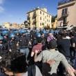 Roma, corteo anti-rom CasaPound contro corteo anti-fascisti: scontri 02