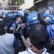 Roma, corteo anti-rom CasaPound contro corteo anti-fascisti: scontri 03