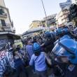 Roma, corteo anti-rom CasaPound contro corteo anti-fascisti: scontri 05