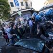 Roma, corteo anti-rom CasaPound contro corteo anti-fascisti: scontri 11