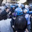 Roma, corteo anti-rom CasaPound contro corteo anti-fascisti: scontri 12