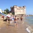 VIDEO YouTube - Santa Severa, ultraleggero cade in mare davanti ai turisti