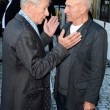 Londra, il bacio sul red carpet tra Patrick Stewart e Ian McKellen