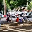 Roma, stazione Tiburtina: profughi dormono in strada tra feci e rifiuti07