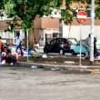 Roma, stazione Tiburtina: profughi dormono in strada tra feci e rifiuti06