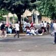 Roma, stazione Tiburtina: profughi dormono in strada tra feci e rifiuti05