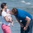 Michelle Hunziker e Tomaso Trussardi a Forte dei Marmi con le figlie 6