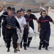 ttAttentato in Tunisia, FOTO turisti morti sulla spiaggia dell'hotel 12