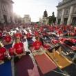 VIDEO YouTube. Yoga Day in India: in 35mila da 84 Paesi, 2 Guinness Record vinti9
