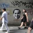 """Berlusconi come Mr Grey di """"50 sfumature di grigio"""": i graffiti a Bangkok2"""