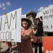 Leone Cecil, raccolte 146mila firme per far estradare dentista. Proteste davanti al suo studio2