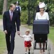Charlotte, battesimo royal baby in carrozzina d'epoca