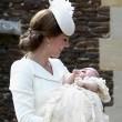 Charlotte, battesimo royal baby in carrozzina d'epoca7