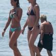 MIchelle Hunziker e Aurora in spiaggia a Forte dei Marmi 4