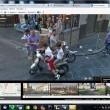 Napoli su Google Maps: sporcizia, senza casco.