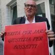 """Massimo Giuseppe Bossetti a processo, fan fuori dal tribunale: """"Liberatelo"""" FOTO"""