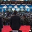 Kenya, Matteo Renzi col giubbotto antiproiettile in visita dal presidente FOTOKenya, Matteo Renzi col giubbotto antiproiettile in visita dal presidente 04