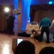 Usa, sposo stende la moglie con un calcio in testa al ricevimento3