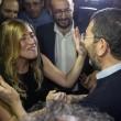 Ignazio Marino abbraccia Maria Elena Boschi alla Festa dell'Unità FOTO