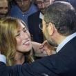 Ignazio Marino abbraccia Maria Elena Boschi alla Festa dell'Unità FOTO 4