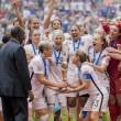Mondiali calcio femminile: Abby Wambach, attaccante Usa bacia moglie su labbra 6