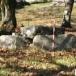 Dolmen antico scambiato per panchina. E viene sostituito...