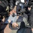 Ucraina, assalto a Parlamento contro autonomia filorussi 2