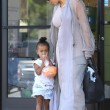 Kim Kardashian incinta, a passeggio con Kourtney e i cuginetti North e Mason3