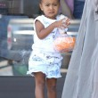 Kim Kardashian incinta, a passeggio con Kourtney e i cuginetti North e Mason9