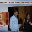 """Salvini, corna in tv alla zingara che """"quando schiatta lei"""""""