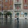 In mutande: alla Stazione Termini o a Taranto ritegno zero