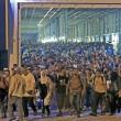 Budapest, riaperta stazione: migranti assaltano treni