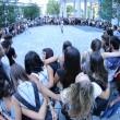 Milano, 1321 si abbracciano in piazza: record italiano2