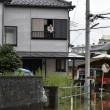 Giappone, si rifugiano su tetti: alluvione porta via case1