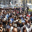 Marcia a piedi profughi siriani per fuggire i campi di Orban12