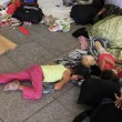 Migranti, Budapest riapre stazione ma la chiude ai siriani9
